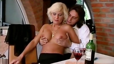 moms saucy anal sex
