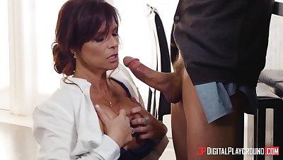 Seductive MILF Syren De Mer drops on her knees to make him hard