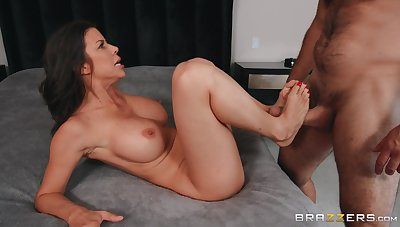 Cheating wife Alexis Fawx moans during sex on every side her horny lover