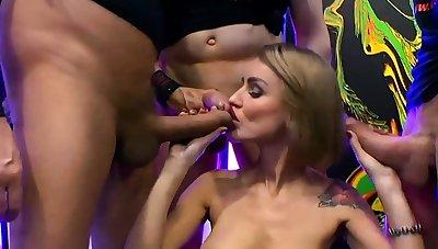 Russian elen integer enjoys anal and blowbang
