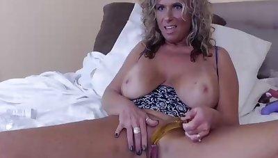 Zeana34g Milf Big Tits, Wee deoch an doris Trinket In the air Ass, Sucks Black Dildo