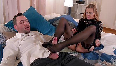 Real pleasures for mommy in scenes of build fetish XXX