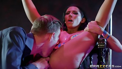Horny Danny bites her pussy petals and kiss pink clit