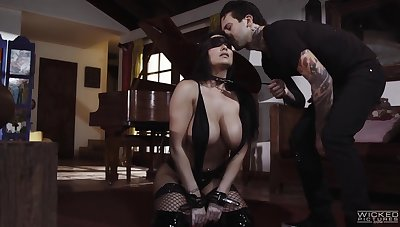 Submissive busty milf Romi Rain does everything her man desires