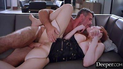 TV Star Maitland Ward  s First Ass EVER