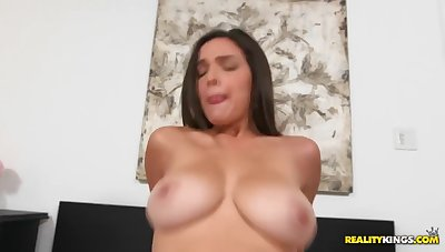 Shares Cock With Fat Bitch With Stevie Knicks, Shae Summers And Peter Green
