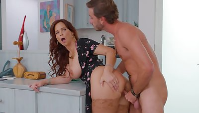Hardcore fucking on the bed with horny mature wife Syren De Mer