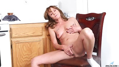Lay homemade video be worthwhile for Cyndi Sinclair pleasuring will not hear of pussy