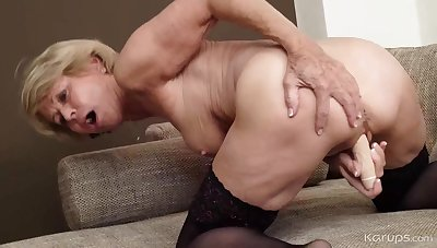 Grown up Whore Stuffs Herself - GILF Solo